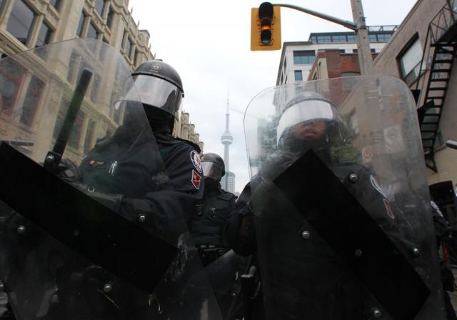 Протесты в Торонто