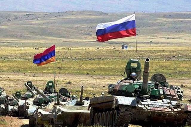 Военные учения России идут полным ходом.