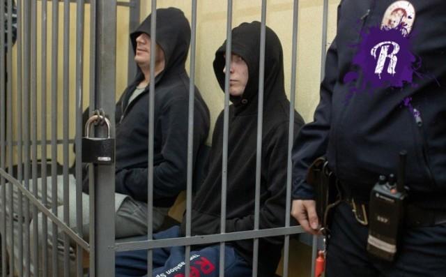 Екатеринбургских полицейских, изнасиловавших девушку в служебной машине, отпустили из-под домашнего ареста