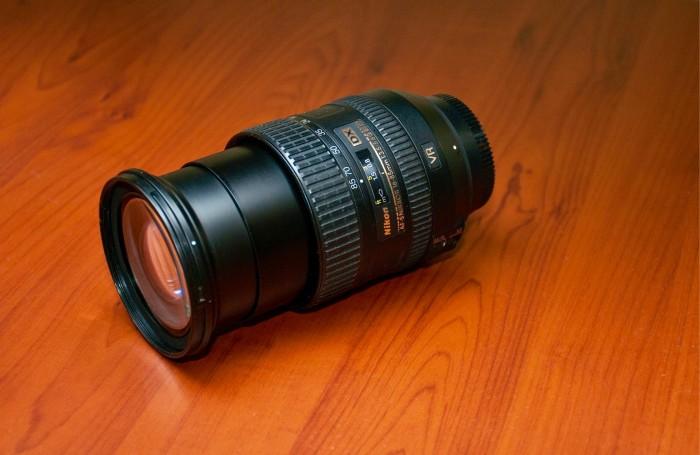 Объектив Nikon 16-85