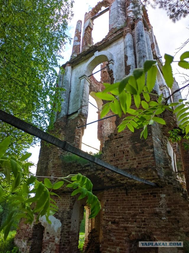 Путешествие по реке Чепца к заброшенной церкви