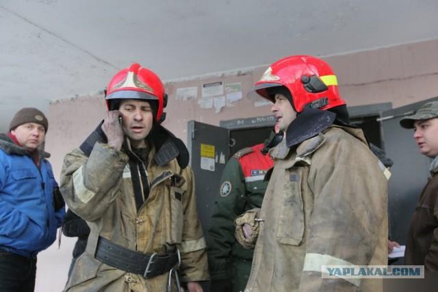 """""""Отпахали 14 часов как черти, а тут еще он"""". Спасатель, которому нахамил на пожаре блогер, — об инциденте"""