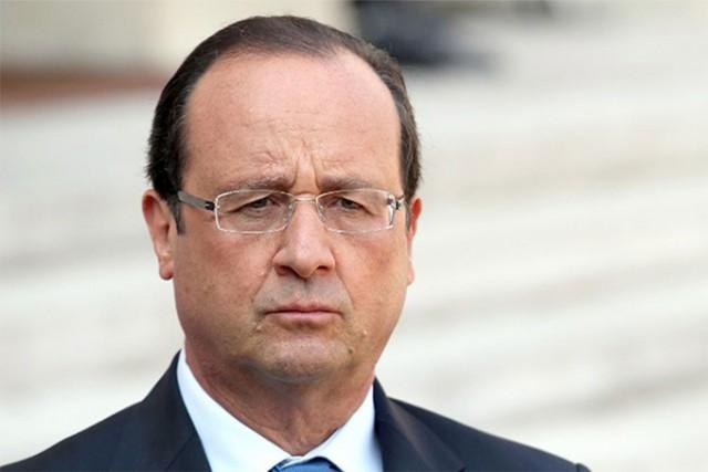 В Елисейский дворец направлен проект резолюции об импичменте Олланду