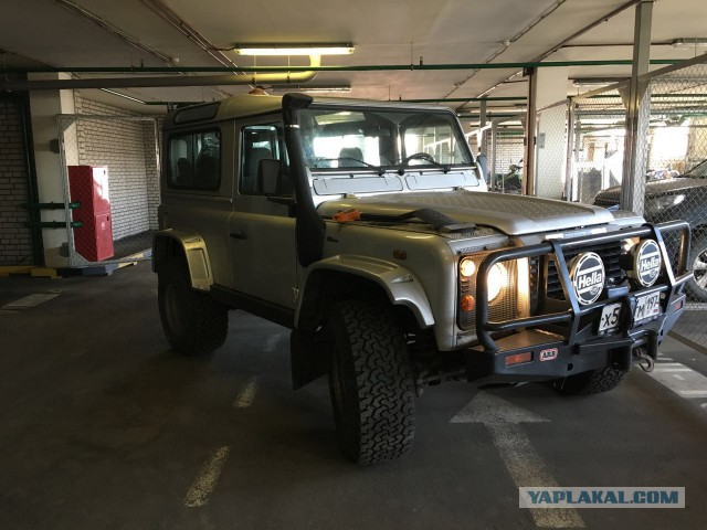 [Москва] Продам Land Rover Defender 90