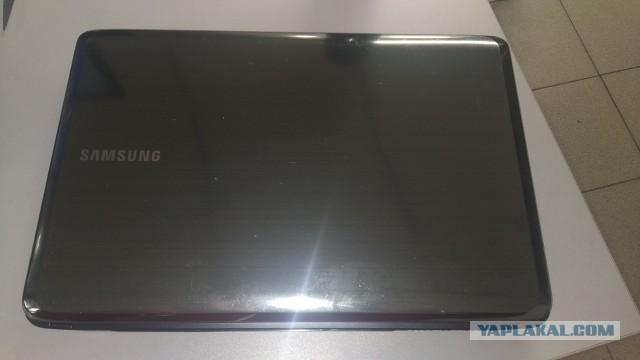 Продам ноутбук SAMSUNG NP-R525-JT09RU