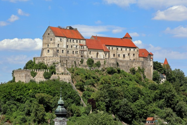 Костюмированный средневековый фестиваль в самом длинном замке Европы