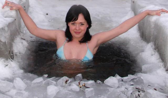 spermu-glotaet-devushka-foto