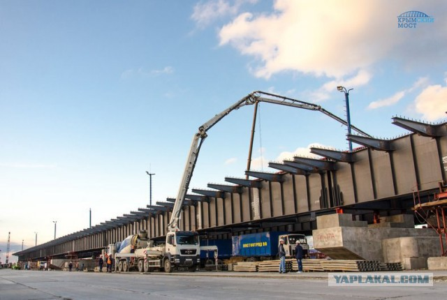 На Керченском мосту началось строительство проезжей части