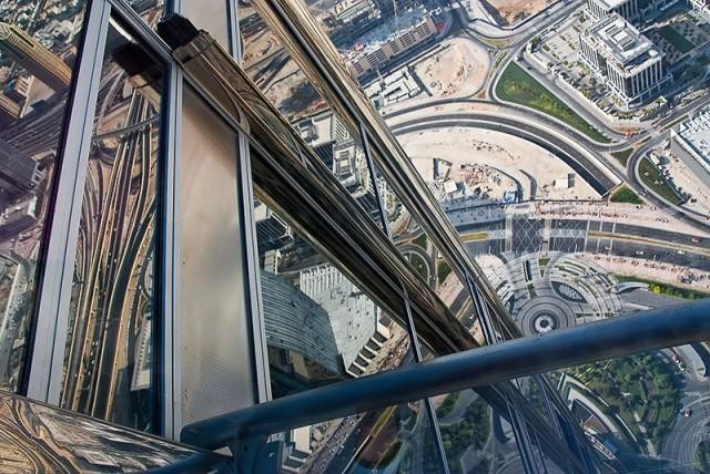 Бурдж Халифа - взгляд на Дубай с 124 этажа.