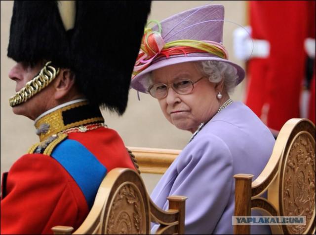 "Королева Елизавета помещена под ""домашний арест"""