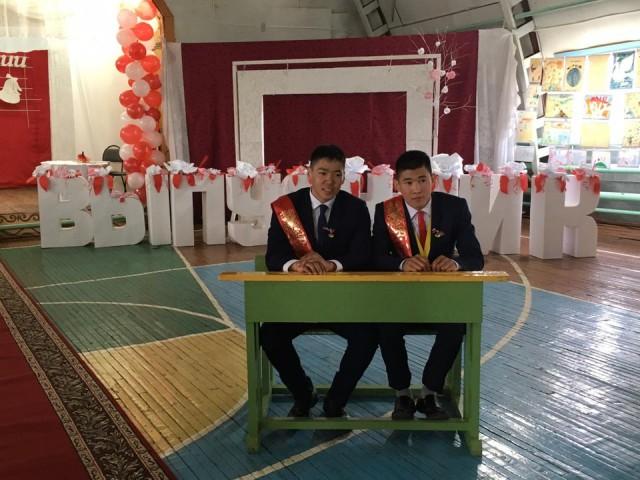 Все выпускники одной якутской деревни. Село Өспөх Усть–Алданского улуса