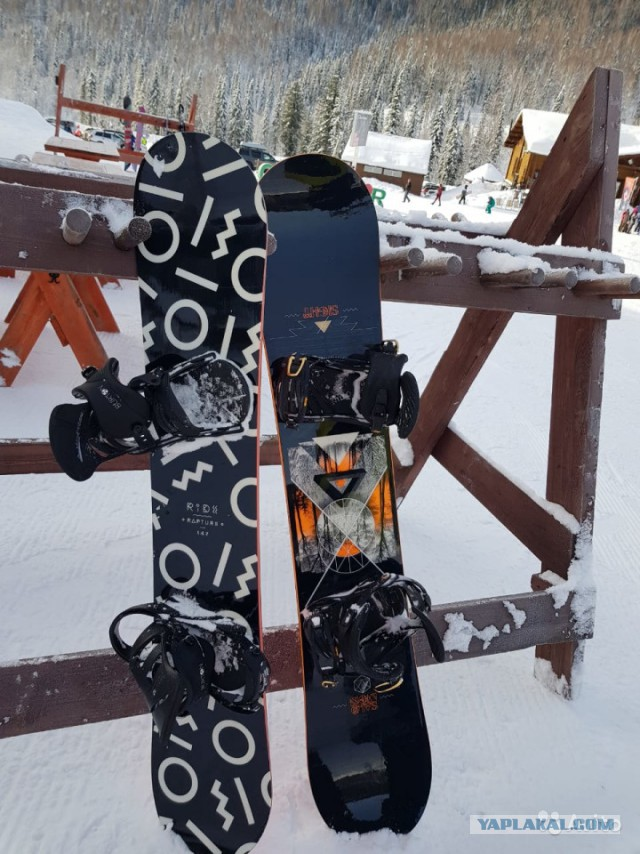 Продам сноуборды