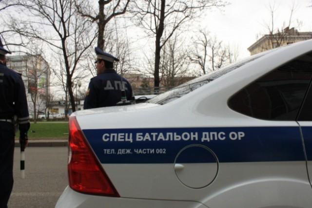 В Москве семерых элитных гаишников задержали за взятку — миллион рублей. Они говорят, что деньги им подкинули
