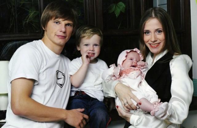 Российские знаменитости, бросившие семью ради любовницы