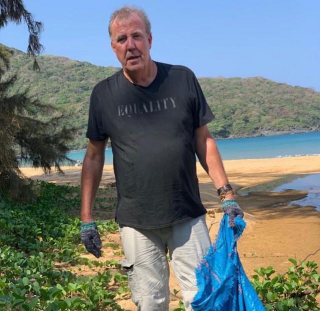 Джереми Кларксон из Top Gear помог очистить пляж во Вьетнаме от мусора