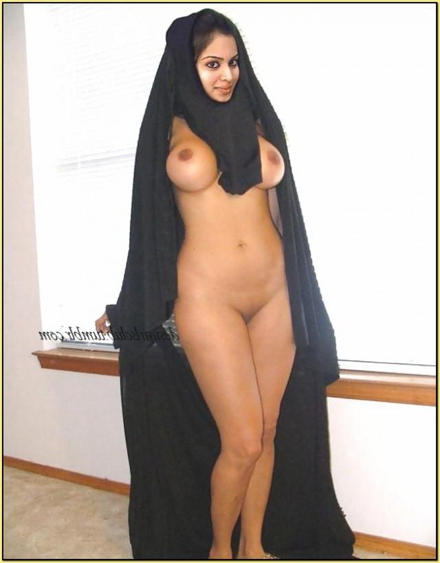 голые арабские девушки фото