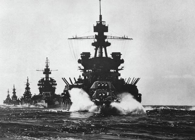 Линкор «USS Arizona» могила для 1177 моряков. Грозная «морская крепость» ВМС США ушла под воду за считанные минуты