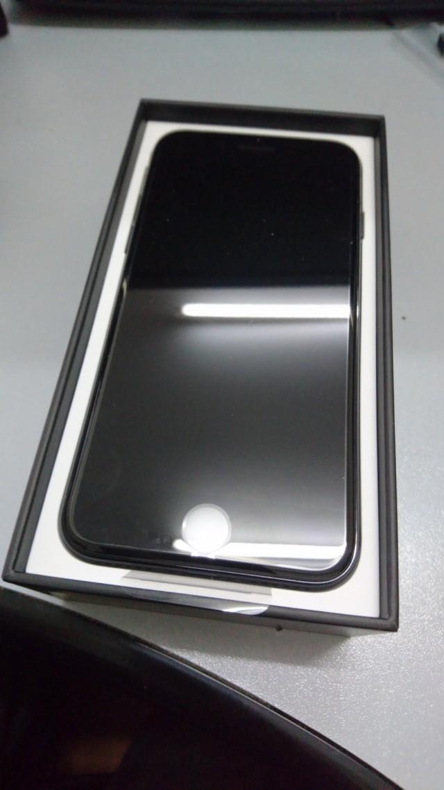 Продам iPhone 7 Jet Black Чёрный Оникс 128гб