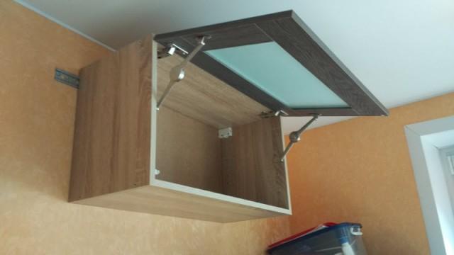 Шкаф навесной с подъемным фасадом, своим руками