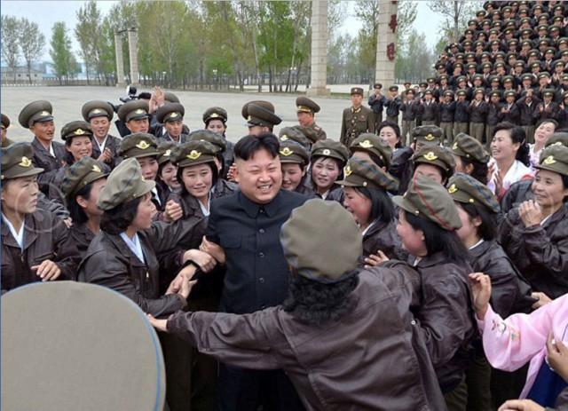 Ким Чен Ын и народное обожание