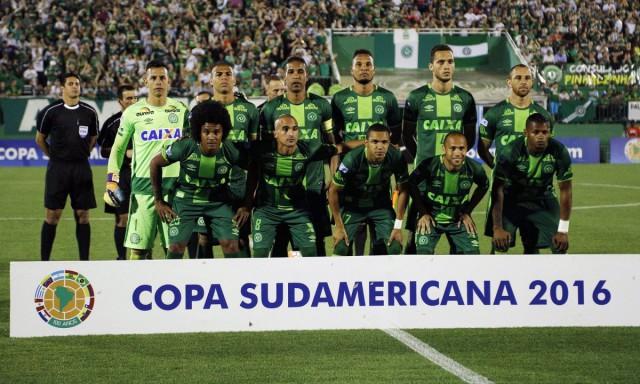 Попавший в авиакатастрофу футбольный клуб «Шапекоэнсе» признан победителем Южноамериканского кубка