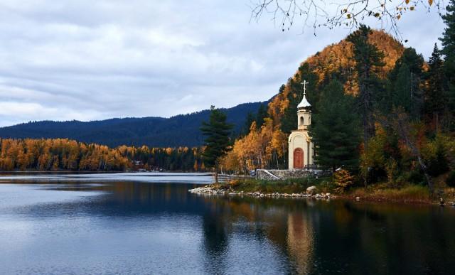 Красота осеннего Байкала