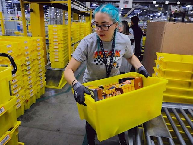 Работники Amazon мочатся в бутылки из-за страха не выполнить план