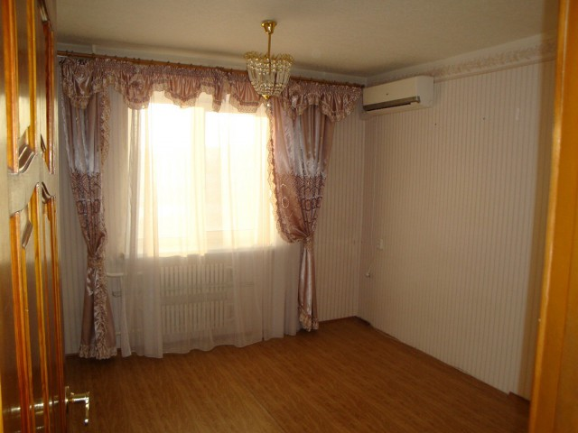 4х-комнатная квартира г. Волгоград