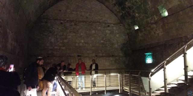 Прогулки по старому Иерусалиму, пещере вдоль Стены Плача и еврейскому кварталу