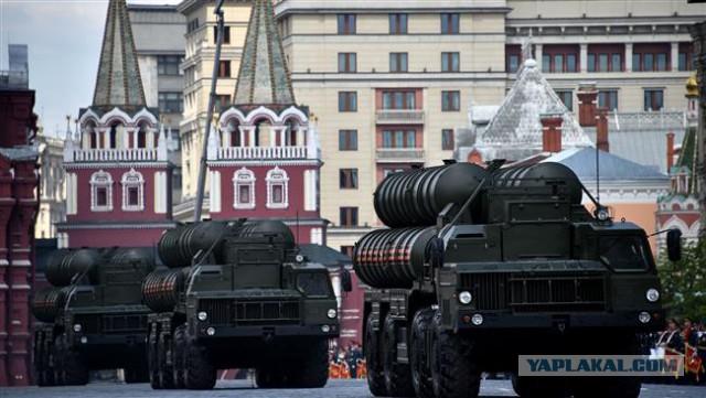 """Россия разместила зенитно-ракетную систему С-400 """"Триумф"""" в Крыму"""