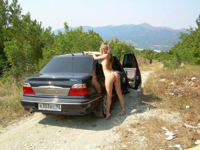 porno-russkoe-vozle-mashini