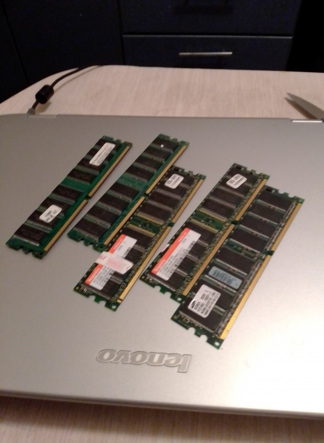 Отдам DDR2