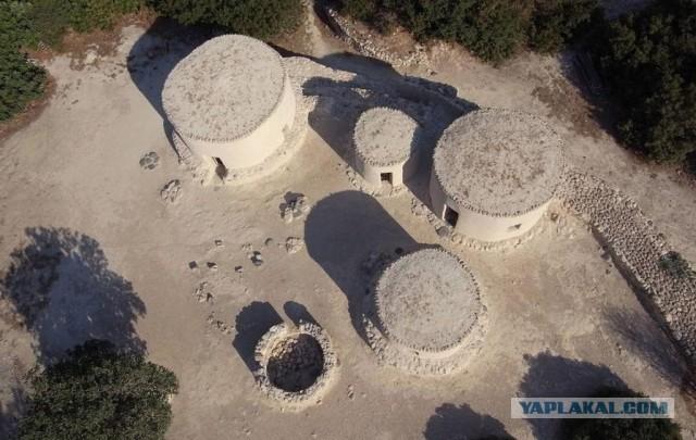Древние поселения Хирокития и Тента