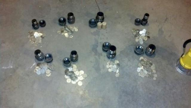 Клад серебряных монет в старом доме