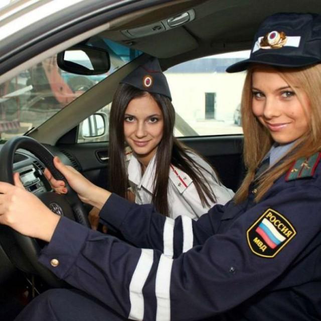 Подборка приятных... и даже красивых лиц полиции