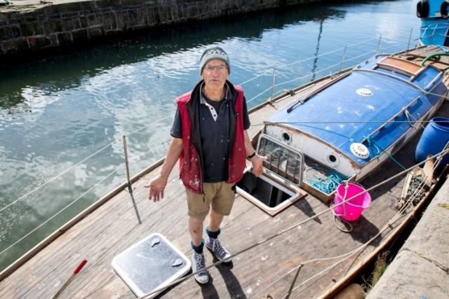 Британец потратил пять лет на реставрацию яхты, которая затонула через пять минут после спуска