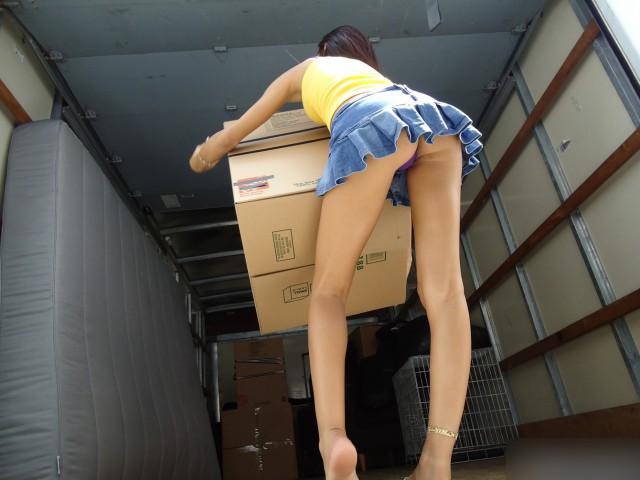 Японец использовал проститутку не по назначению