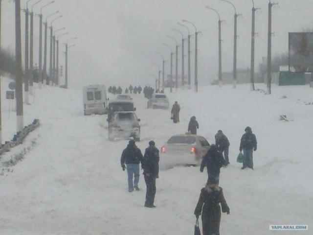 А снег идет, а я иду... Снег в городах