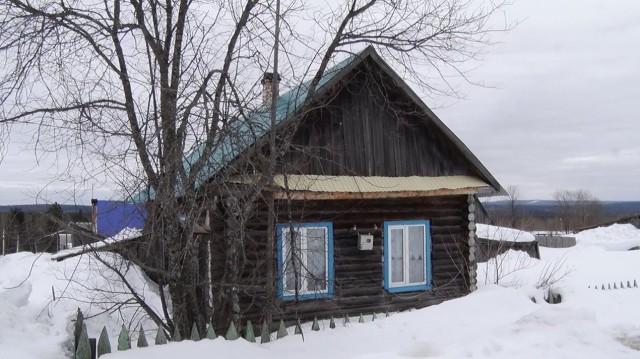 В пермской деревне власти 15 лет не замечали семью, которая поселилась в чужом доме