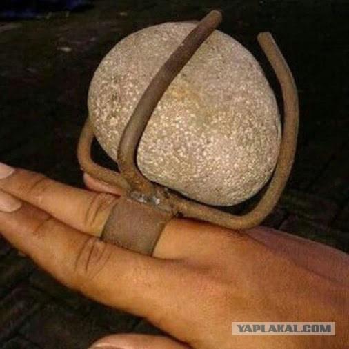 Милый, я хочу колечко с большим камушком