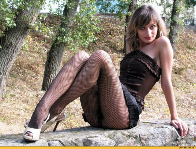 фото девушки голые в колготках чулках