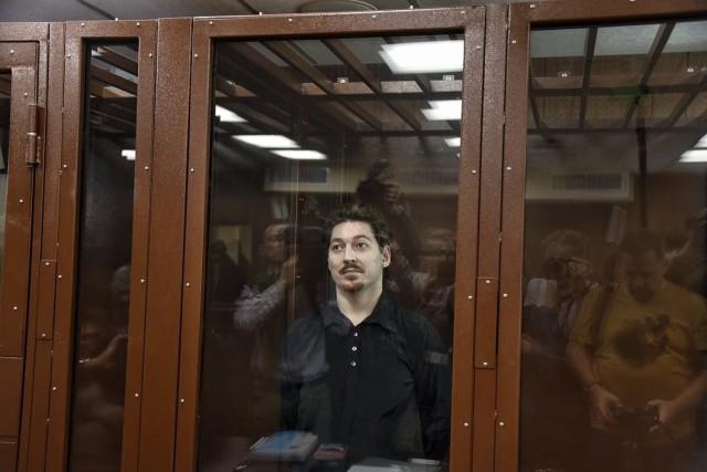 Участника акции 27 июля Кирилла Жукова приговорили к трём годам колонии: он пытался поднять забрало шлема росгвардейца