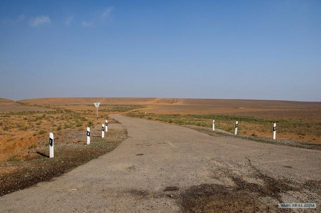 Дорога Астрахань — Элиста, 300км странного мира.