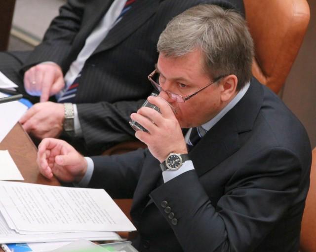 Чиновнику, нанесшему России ущерб в 220 миллиардов, позволили скрыться за границей
