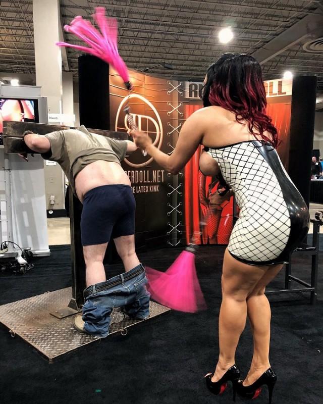 В Майами состоялась выставка «EXXXOTICA Expo 2018»