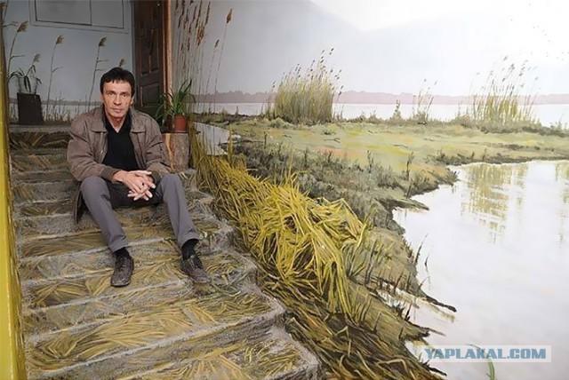 Русский художник превращает скучные советские стены подъезда в произведения искусства