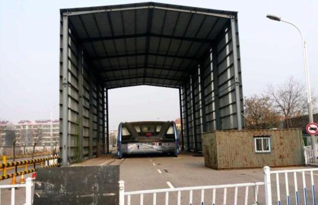 Создатели китайского портального автобуса TEB бросили его на окраине Шанхая и не выходят на связь