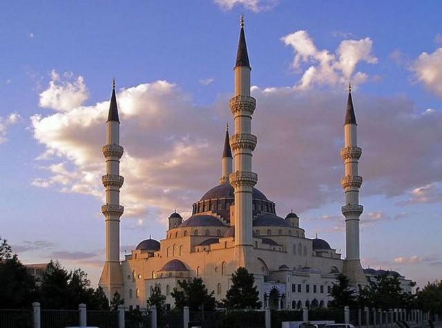 Ашхабад Туркменистан: Закрытый город закрытой страны