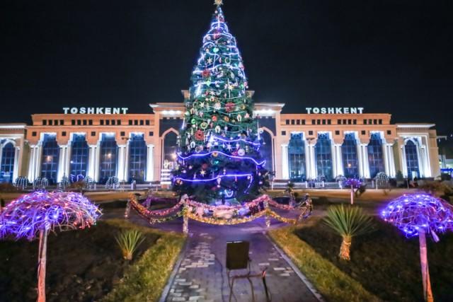 Ташкент украсили к Новому году
