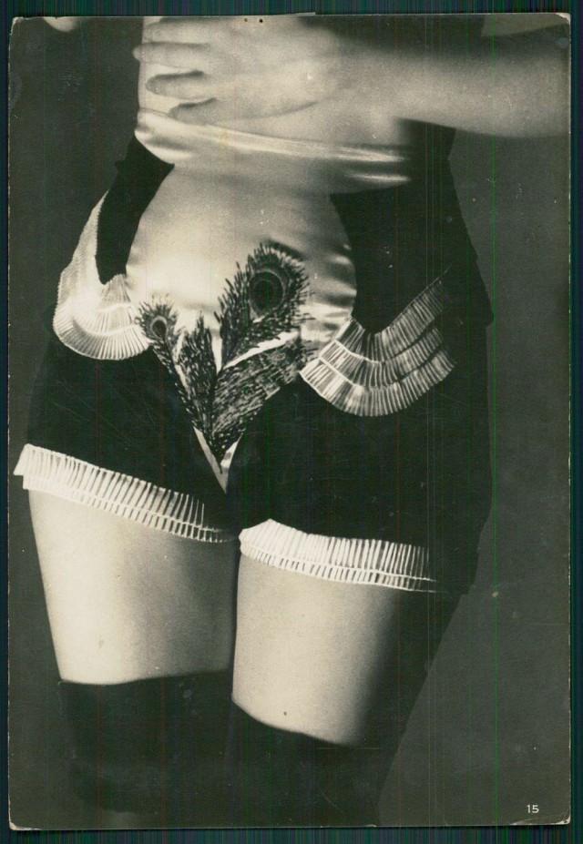 На что засматривались наши прадедушки или откровенные снимки для фетишистов 20-х годов